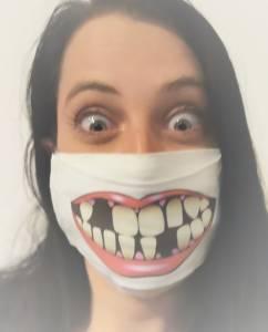 Egyedi vicces szájmaszk textilből, kócos fogak mintával kép